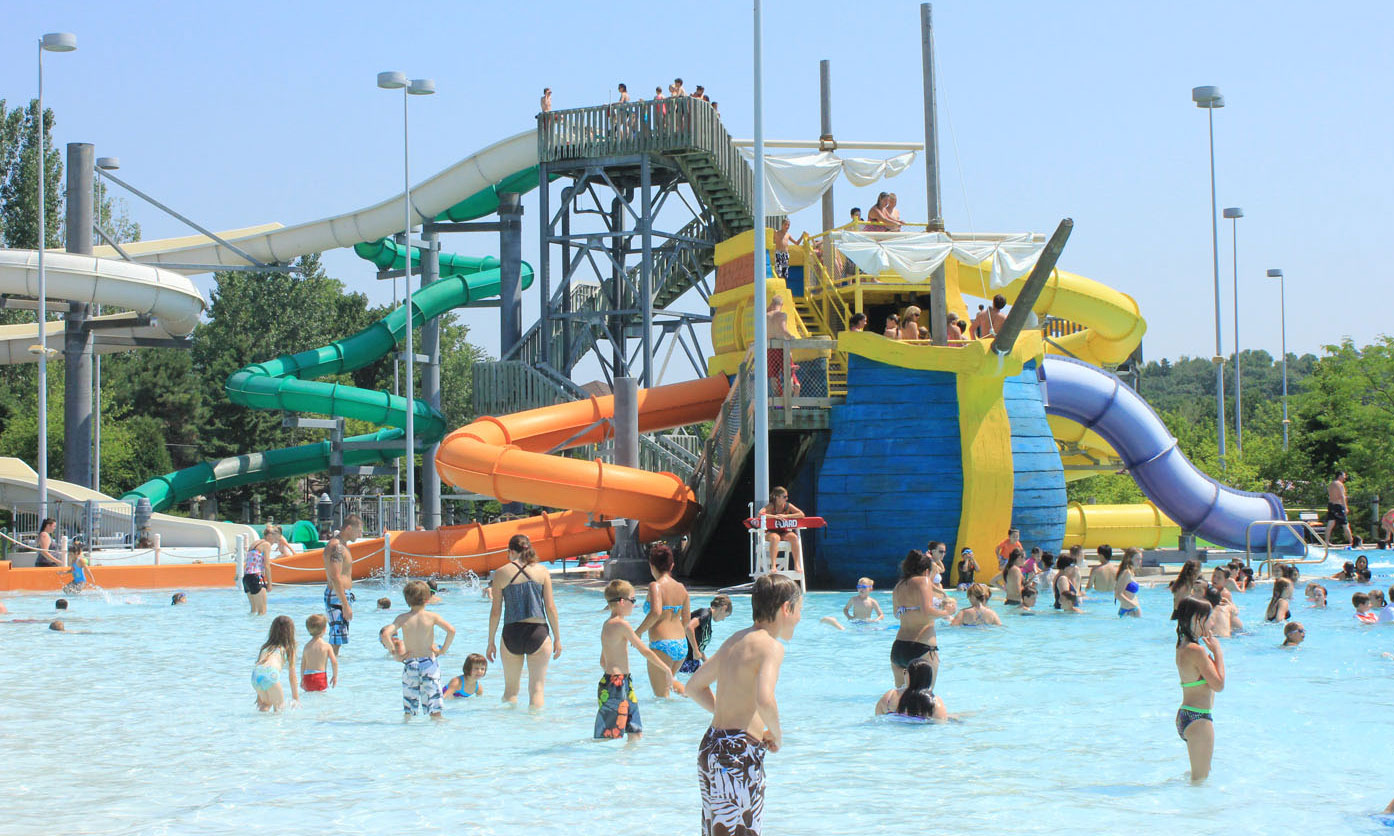 Cascade Bay Water Park, Eagan