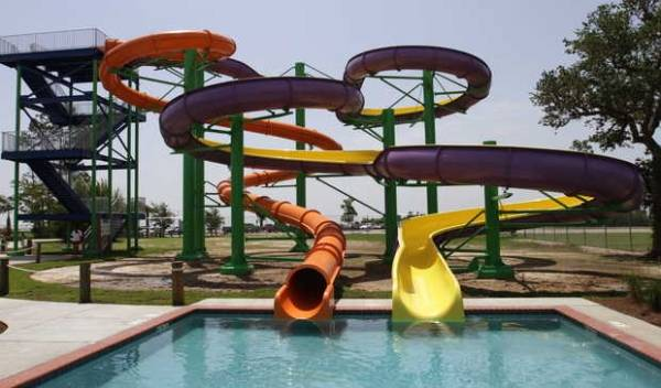 Buccaneer Bay Water park, Waveland