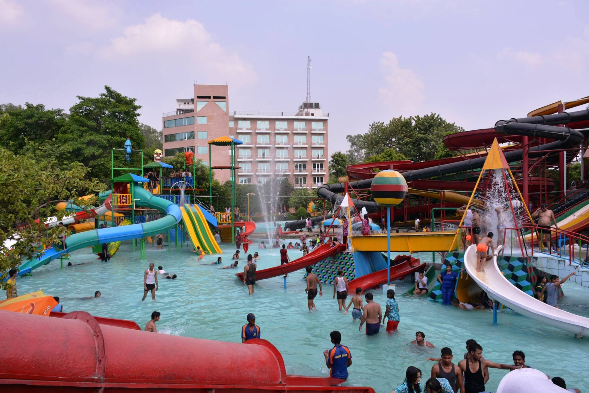Top 8 Water and Amusement Parks in Lucknow | Ticket Price | Address