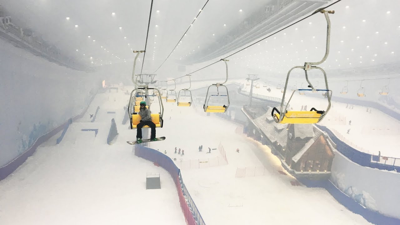 World's largest Indoor Ski Resort in China