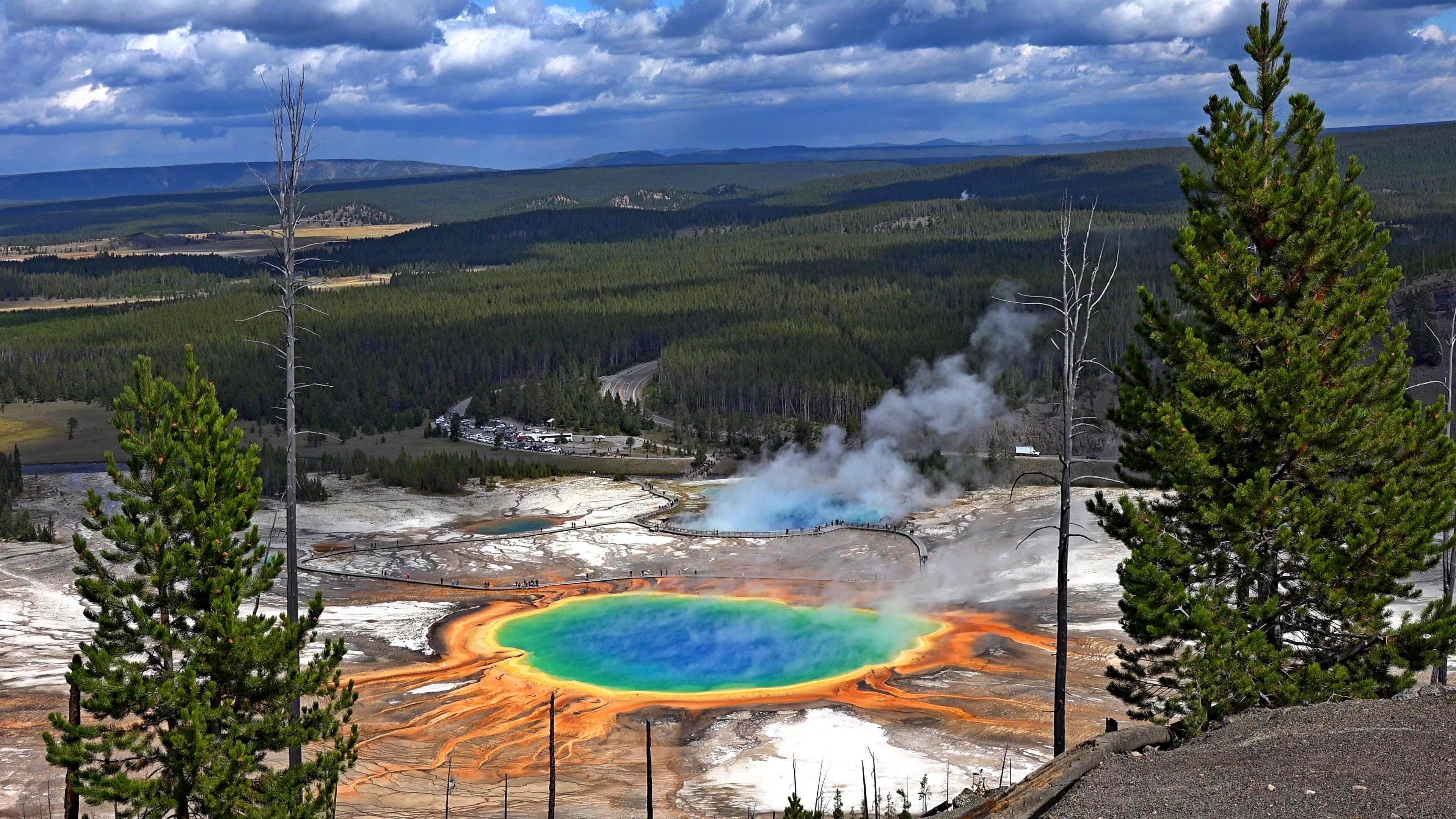 Yellowstone National Park - USA's Oldest National Park