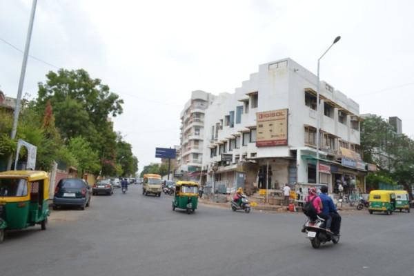 Chimanlal Girdharlal Road, Ahmedabad