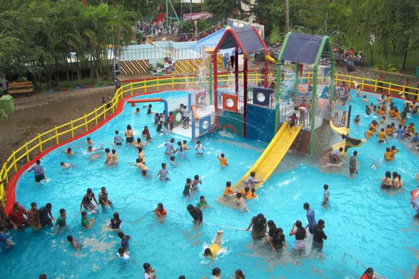 Neeladri Water And Amusement Park, Bangalore