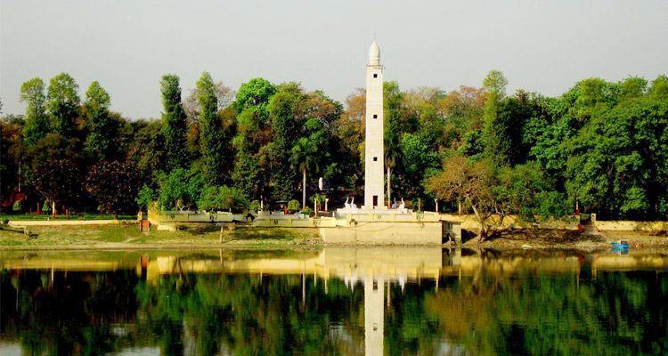 Shaheed Smarak, Lucknow