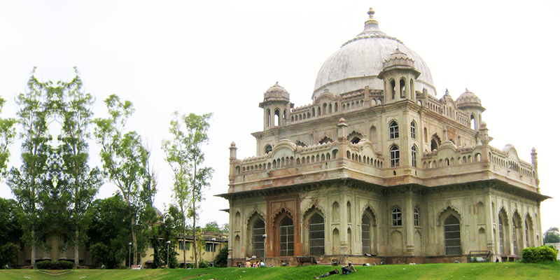 Tombs of Saadat Ali Khan and the Begum
