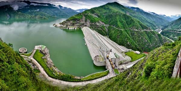 Construction of Tehri Dam