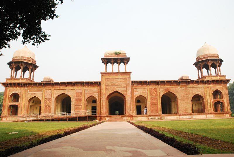 Tomb of Mariam-uz-Zamani, Agra, UP