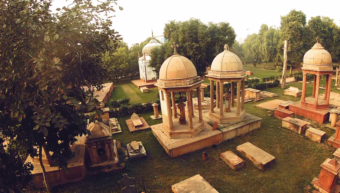 Graves in Hessing's Tomb