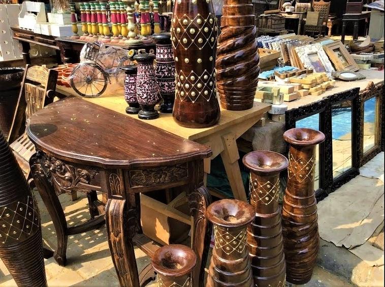 Munirka Furniture Market