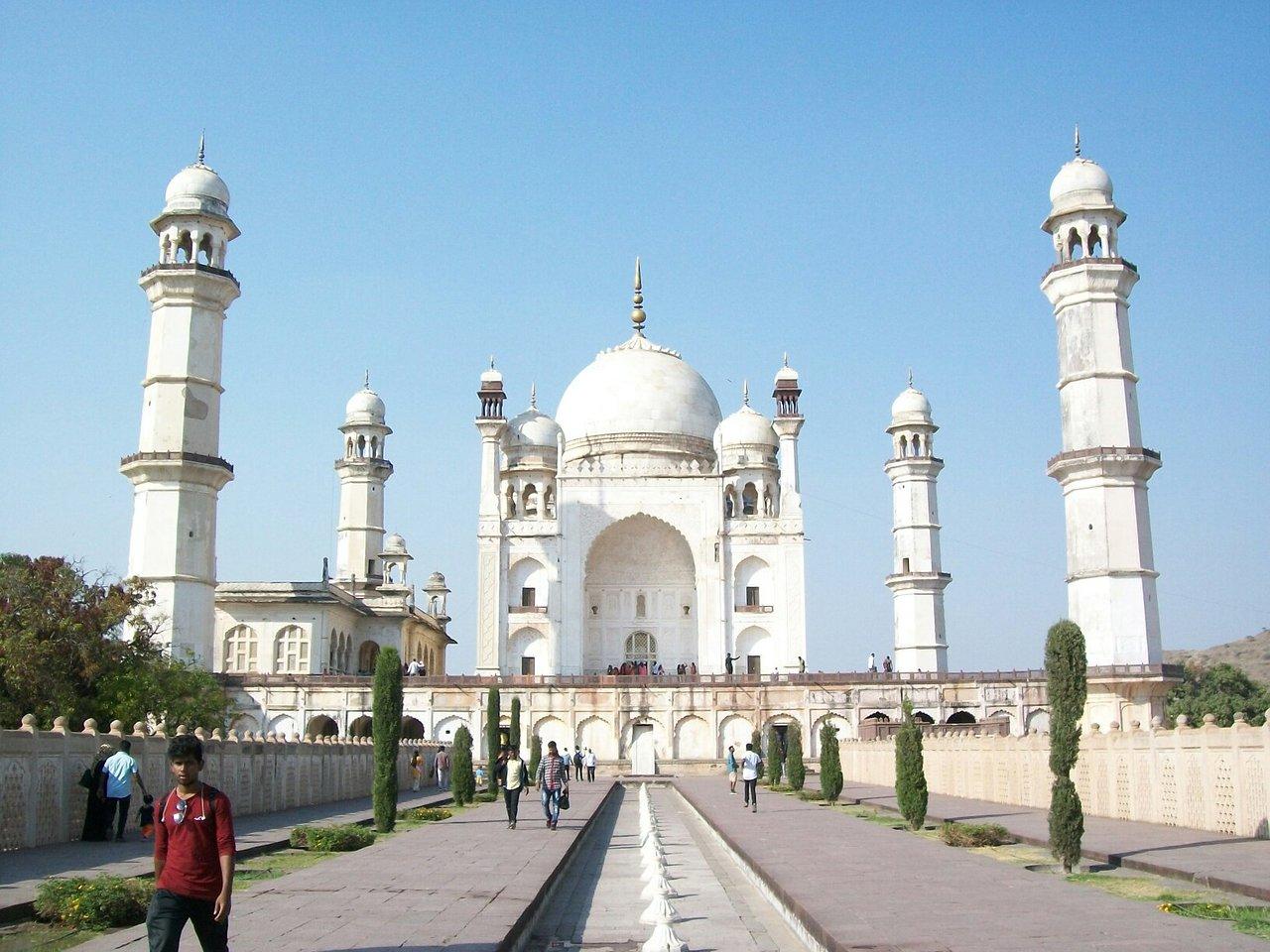 Bibi ka Maqbara, Aurangabad – Half-Sized Taj Mahal Replica