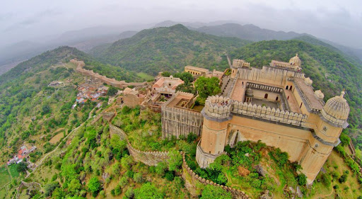 How to get around the fort of Kumbhalgarh