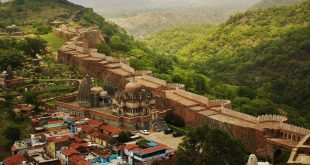 World's 2nd largest wall at Kumbhalgarh Fort
